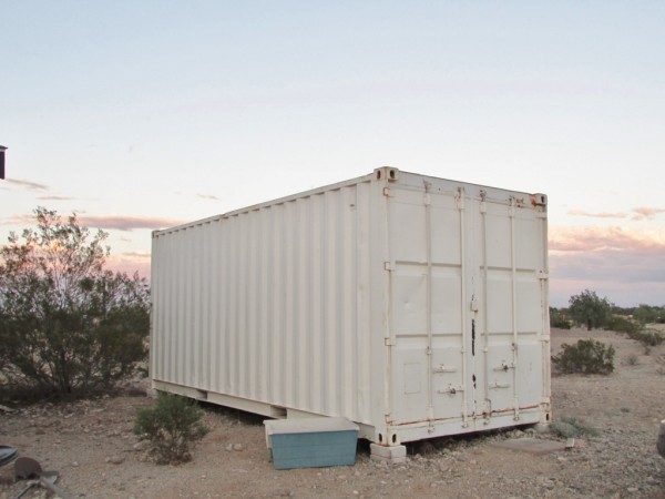 20_Storage Container Included